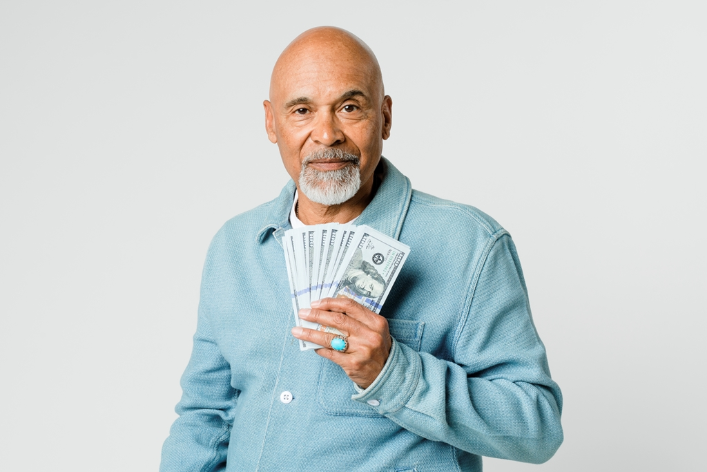 See the Tips to Never Run Out of Money in Retirement